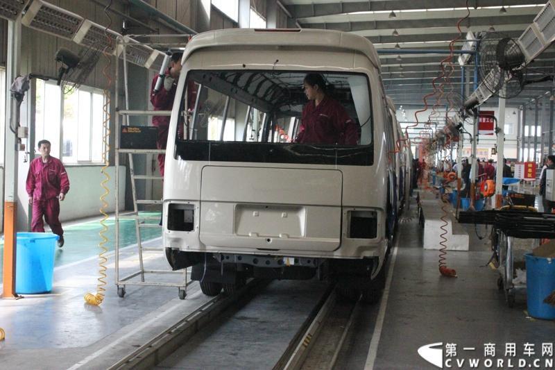 在本次活动上,安凯客车重点展示了宝斯通和星巴等产品,并安排与会客户